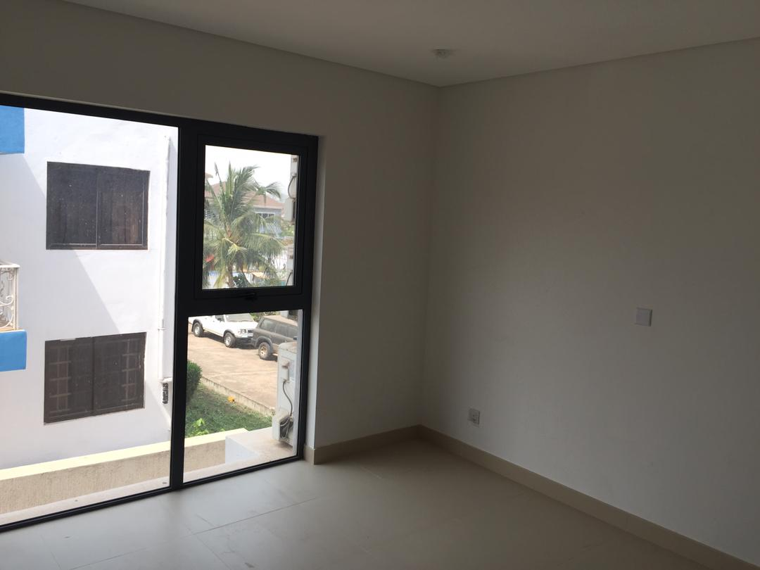 2 Bedroom Unfurnished Apartment Available for Rent
