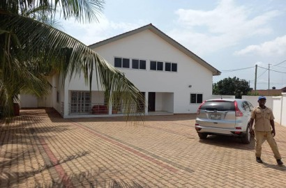 5 Bedroom House Available for Rent
