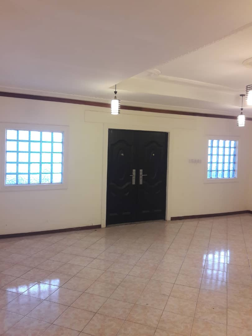 4 Bedroom House with 2 Bedroom Outhouse for sale