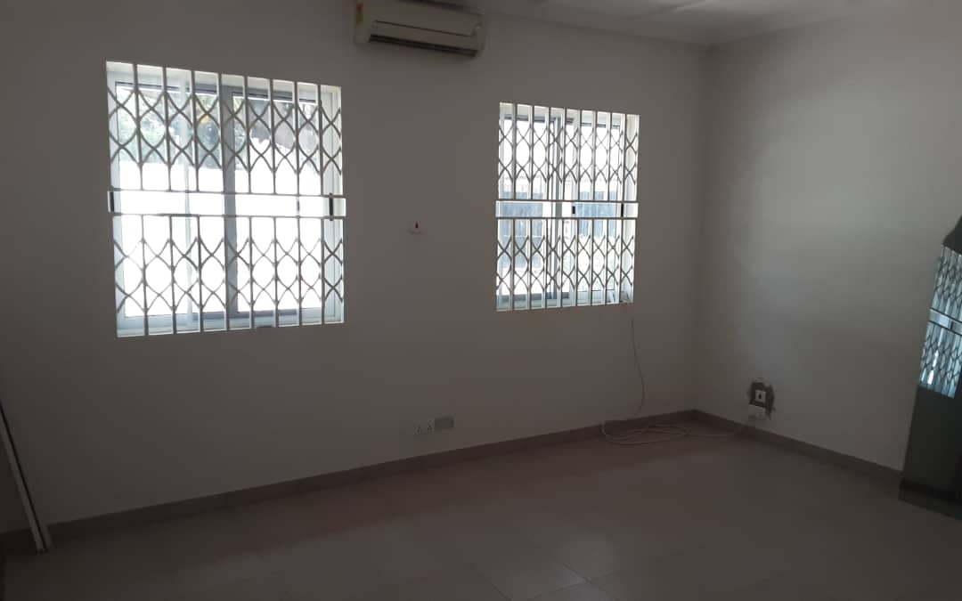 3 Bedroom house with 2 Room BQ for rent