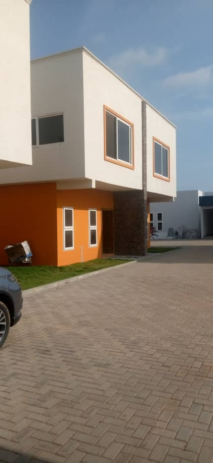 3 Bedroom Townhouses for rent