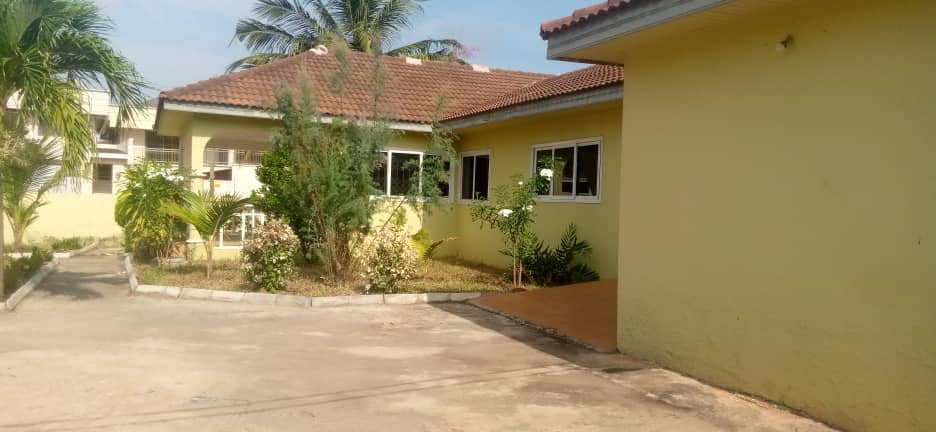 5 Bedroom House with 3 Room BQ for rent