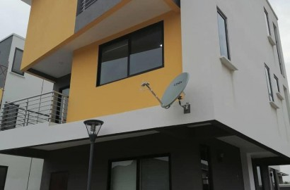3 Bedroom Duplex Apartment Available for Rent