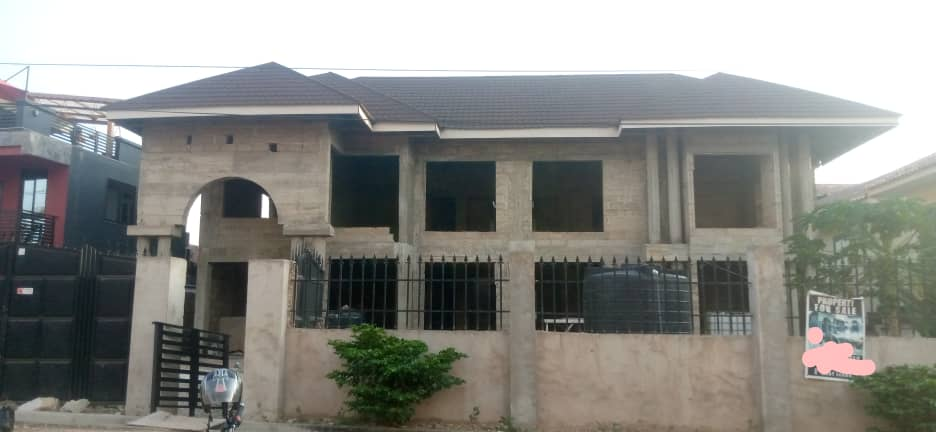 Uncompleted 6 Bedroom House for sale