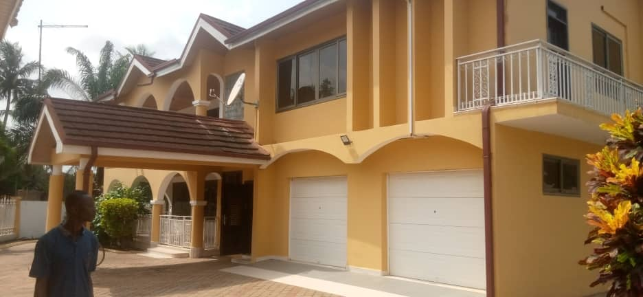 5 Bedroom House with 1 Room BQ for rent