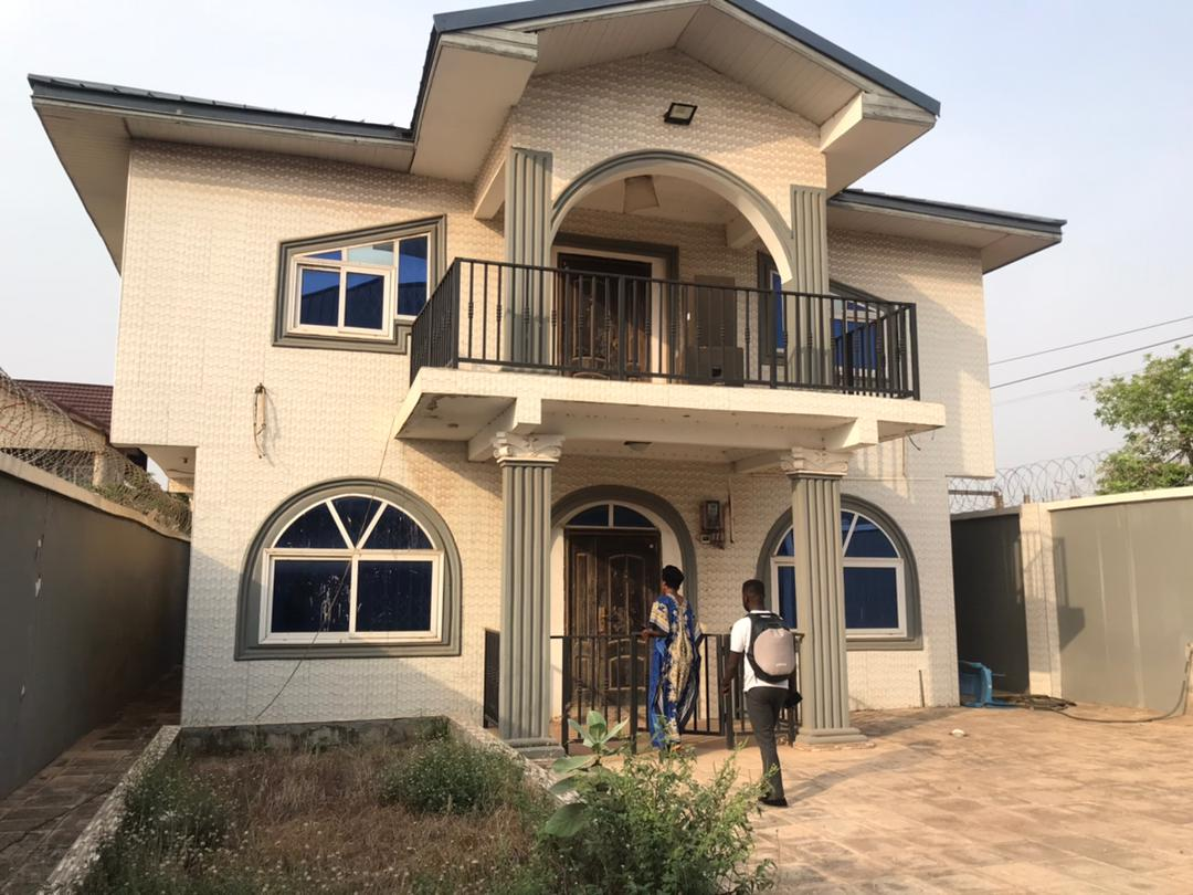 Newly Built 3 Bedroom House with 1 Room BQ for rent